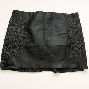 Zara Woman sheepskin leather mini skirt